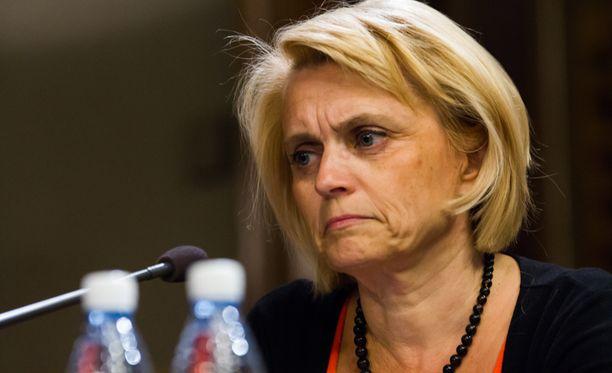 Sisäministeri Päivi Räsänen vaatii poliisille lisää toimivaltuuksia verkkovalvontaan ja -tiedusteluun.