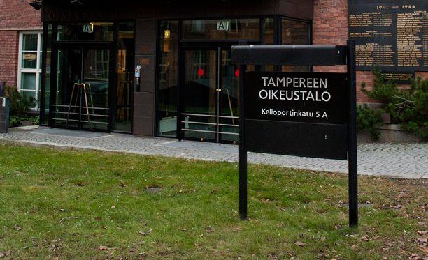 Tapausta on käsitelty Pirkanmaan käräjäoikeudessa Tampereella.