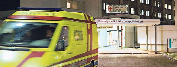 Ankaria vatsavaivoja potenut salakuljettaja leikattiin ennen pääsiäistä Meilahden sairaalassa.