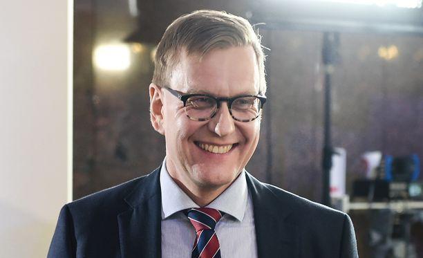 Ylen Entinen Päätoimittaja Atte Jääskeläinen OKM:N Korkeakoulu- Ja Tiedepolitiikan Osaston Ylijohtaj