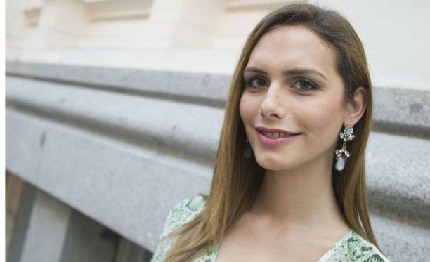 Angela on Sevillasta kotoisin.