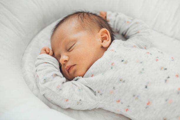 Vastasyntyneet säästyvät usein koronatartunnalta, vaikka äiti olisi sairastunut.