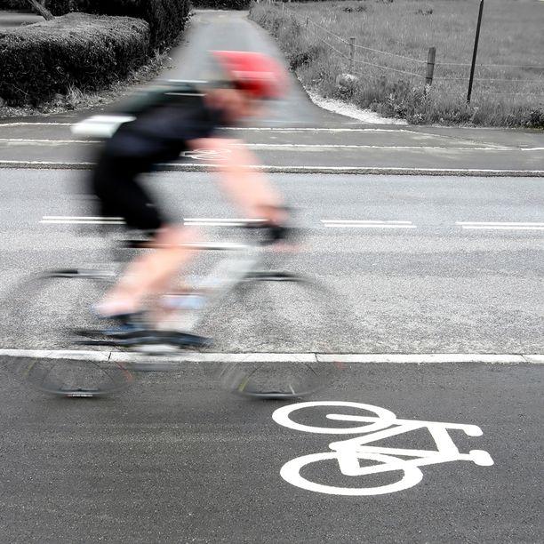 Polkupyörällä voi teoriassa ansaita ylinopeussakon, mutta käytännössä se on äärimmäisen epätodennäköistä.