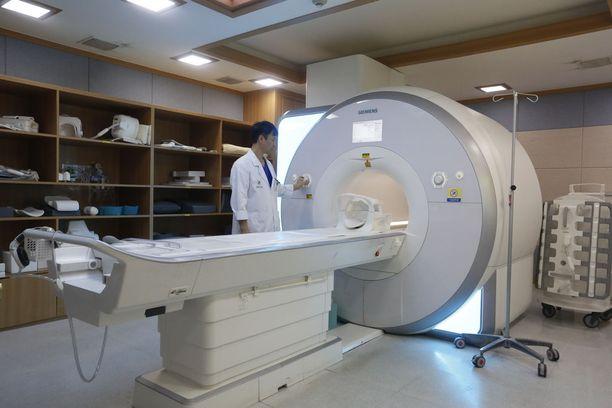 Kuvituskuva MRI-laitteesta.
