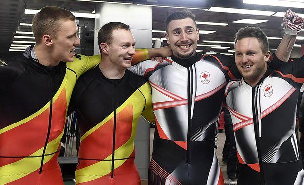 Saksan ja Kanadan parit jakoivat olympiakullan rattikelkkailussa.