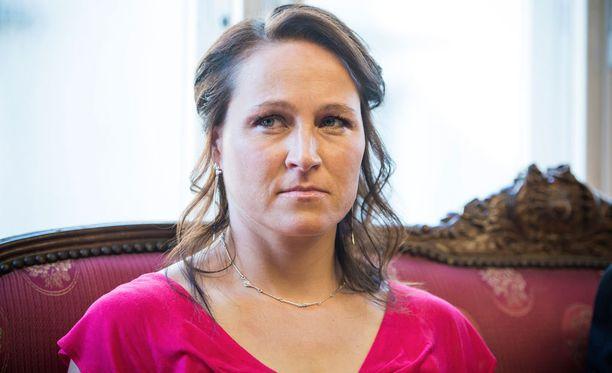 Aino-Kaisa Saarinen järkyttyi Therese Johaugin dopingkärystä.