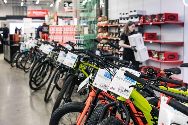 Pyöräliiton erityisasiantuntija Martti Tulenheimon mukaan 1200 euron vuotuinen tuki on riittävän iso houkuttelemaan sekä työntekijöitä että työnantajia esimerkiksi laadukkaan sähköpyörän hankintaan.