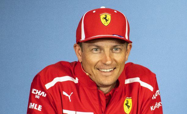 Jacques Villeneuven mukaan Ferrarin kannattaisi pitää kiinni Kimi Räikkösestä.