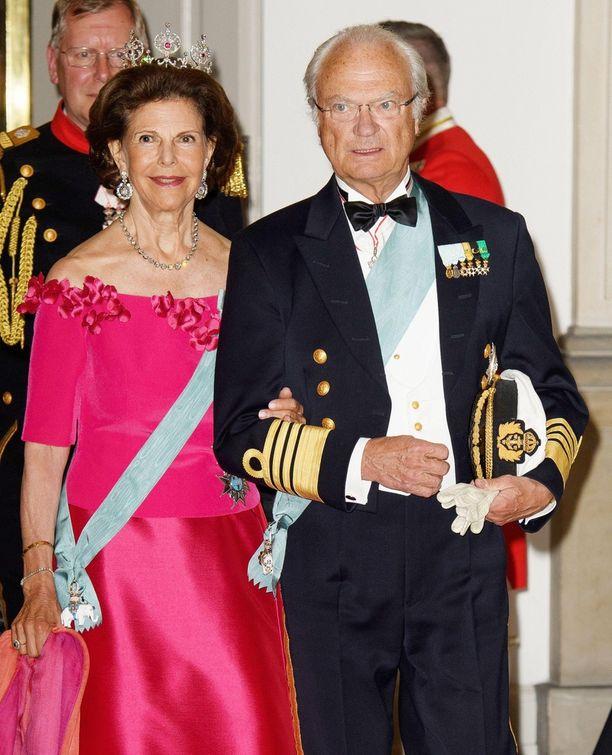 Ruotsin kuningaspari Kaarle Kustaa ja Silvia edustivat yhdessä.