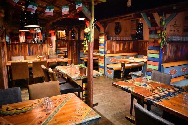 Cantina West on ollut tunnettu texmex-ruoan ja margaritojen lisäksi myös persoonallisesta sisustuksestaan.