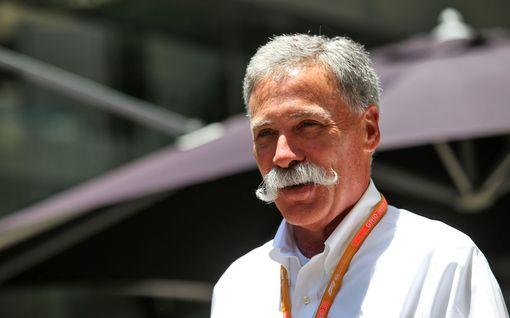 """F1:n iso pomo jyrähti: Vähättelee sähköformuloita avoimesti – """"sosiaalinen projekti, katubileet"""""""