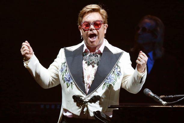 Elton John on ollut 30 vuotta selvin päin.