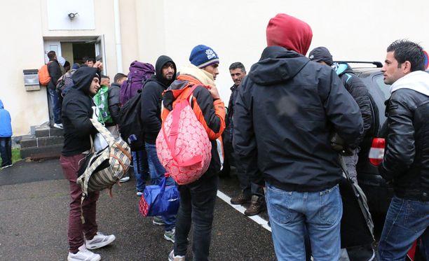 Maahanmuuttoviraston uusimmassa arviossa turvapaikanhakijoita on tulossa peräti 50 000.