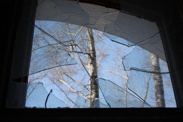 Vanhainkodin ikkunan rikkojat saatiin kiinni. Kuvituskuva ei liity tapaukseen.