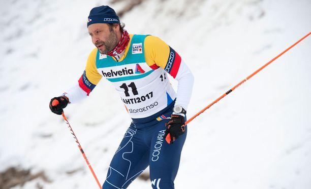 Paul Bragiel sivakoi seuraavaksi kohti after skitä.