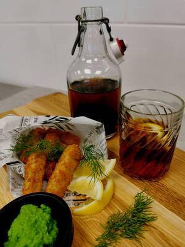 Apetitin laskelmien mukaan pussillisen Itämeren kalapuikkoja syömällä poistuu Itämerestä noin puoli kiloa levää.