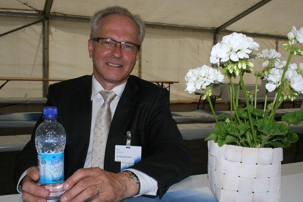 Oululainen Juha Kaarivaara Suviseuroilla Porissa.