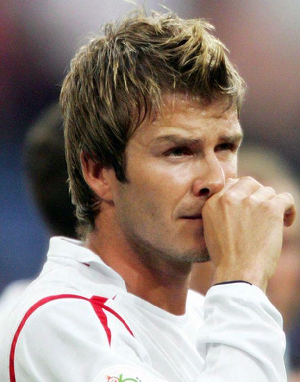 David Beckham julkisti viime torstaina viiden vuoden mittaisen sopimuksen amerikkalaisen MLS-sarjan Los Angeles Galaxyn kanssa.