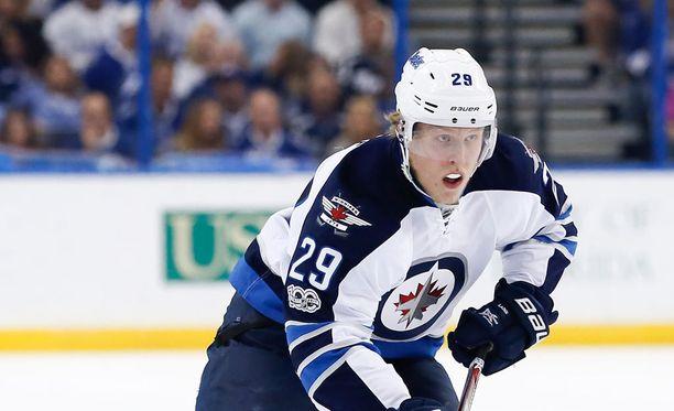 Patrik Laine palasi perjantaina Winnipeg Jetsin jääharjoituksiin ensi kertaa pariin viikkoon.