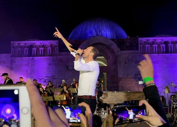Chris Martin ja Coldplay esiintyivät kahdella levynjulkaisukeikalla Jordanian pääkaupungissa Ammanissa.