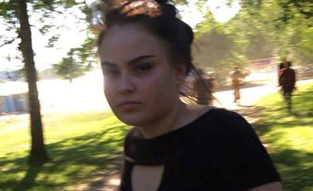 Poliisi kaipaa vihjeitä Erika Määttäsestä, johon on saatu yhteys vain satunnaisesti heinäkuun alun jälkeen.