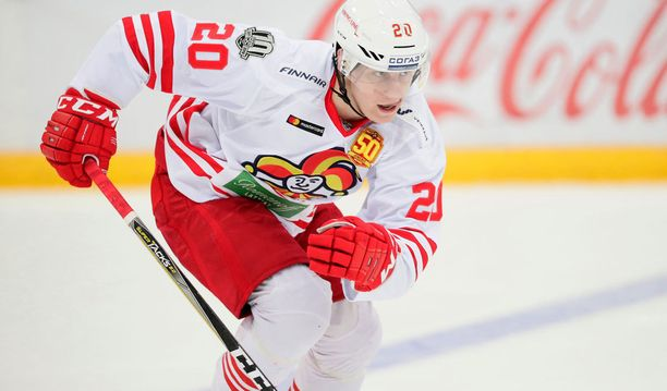 Jokerien Eeli Tolvanen on pelannut upean syksyn KHL:ssä.