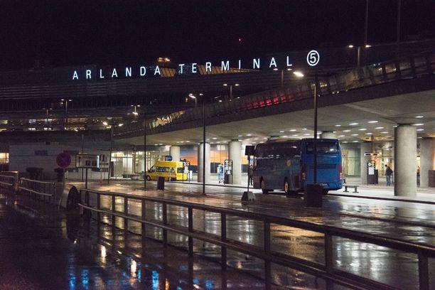 Törmäys tapahtui lentokentän terminaalissa 5.