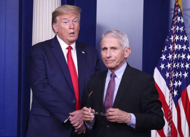 Presidentti Donald Trump ja Anthony Fauci kuvattuna keväällä Valkoisen talon koronavirustiedotustilaisuudessa.