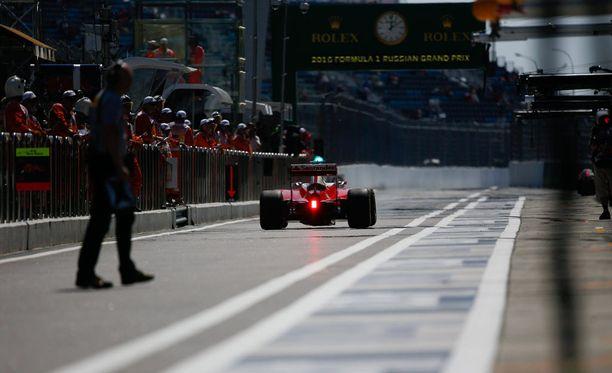 Kimi Räikkönen ei ole löytänyt huippuvauhtia Sotshin radalla.