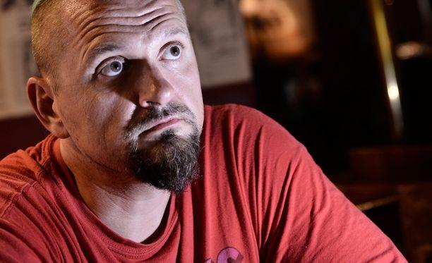 Vesku Jokinen harkitsi 1990-luvun lopulla bändin uran päättämistä.