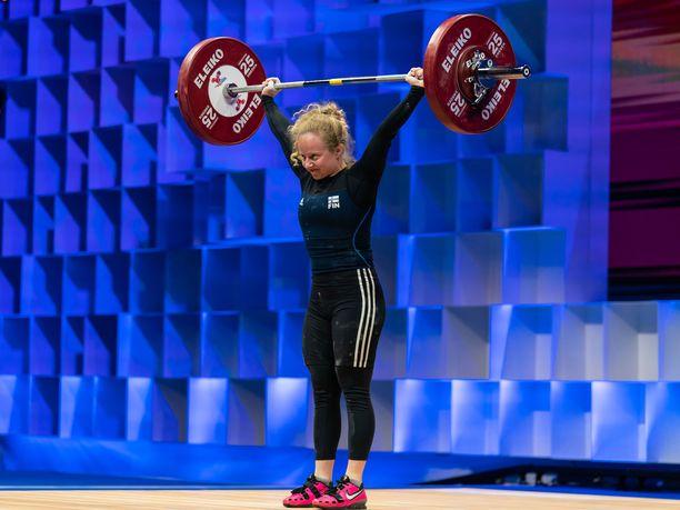 Kevyttä kauraa! Laura Liukkonen rikkoi Moskovan EM-kisoissa ennätyksensä sekä tempauksessa että työnnössä.