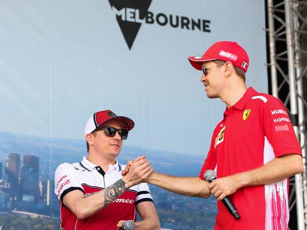 Räikkönen ja Vettel ovat löytäneet toisensa myös tällä kaudella, vaikka edustusasut ovat nyt erilaiset.