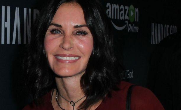 Courtneyn kireät kasvot nousivat puheenaiheeksi elokuussa 2015.