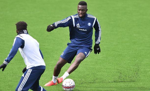 Formose Mendy aloitti tänään HJK:ssa.