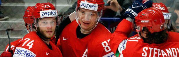 Valko-Venäjä kohtaa puolivälierissä A-lohkon voittajan Kanadan.