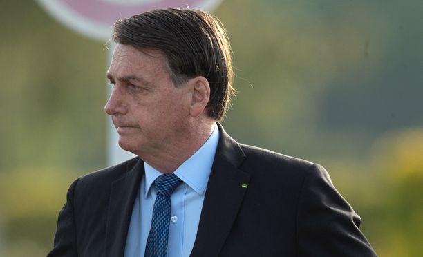 Presidentti Jair Bolsonaro uskoo kiistellyn hydroksiklorokiinin parantavan COVID-19-taudin.