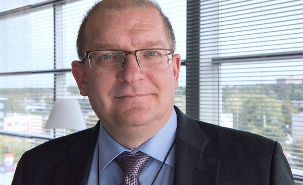 Riku Aalto on entinen Metalliliiton puheenjohtaja. Teollisuusliiton valtuuston puheenjohtaja Jyrki Levonen perustelee palkankorotusta myös sillä, että Metalliliiton aikana Aallon palkka pysyi pitkään kutakuinkin ennallaan.