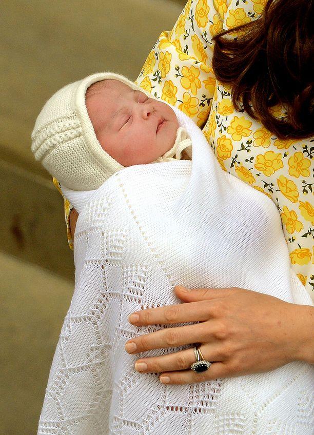 Vanhemmat paljastavat tänään pikkuprinsessan nimen.