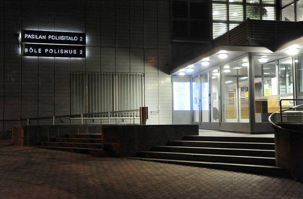 Helsingin poliisijohdon epäillään painostaneen Aarnio-vyyhdissä todistaneita poliiseja.