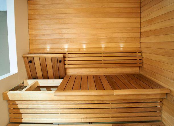 Lauteet tulisi voida pestä helposti myös alapuolelta. Sun Saunan Swing-laudemallia käytetään jo esimerkiksi uimahalleissa.