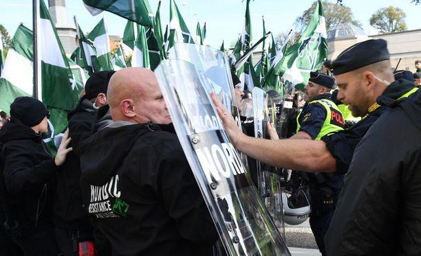 Pohjoismainen vastarintaliike tunnetaan Ruotsissa lyhenteellä NMR. Kuva NMR:n mielenosoituksesta Göteborgissa viime syyskuussa.