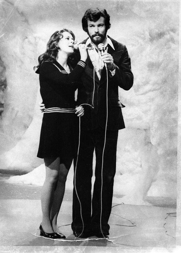 Päivi Paunu ja Kim Floor Euroviisuissa vuonna 1972.