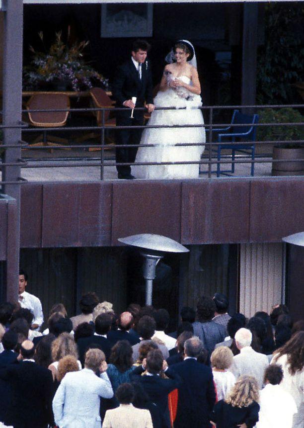 Madonna nai Sean Pennin vuonna 1985.