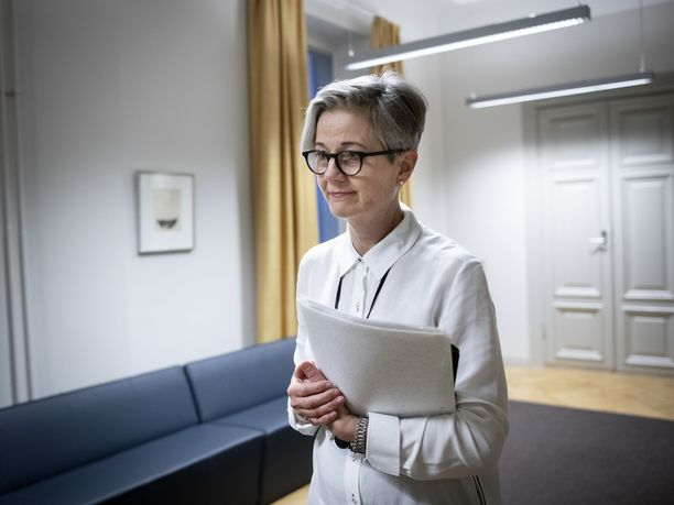 Valtakunnansovittelija Vuokko Piekkala odottaa osapuolien vastausta sovintoesitykseen vappuaattona puoleenpäivään mennessä.