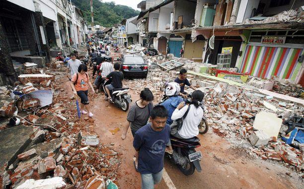 750 000 asukkaan Padang on joutunut kokemaan historiassaan monta maanjäristystä ja tsunamia.