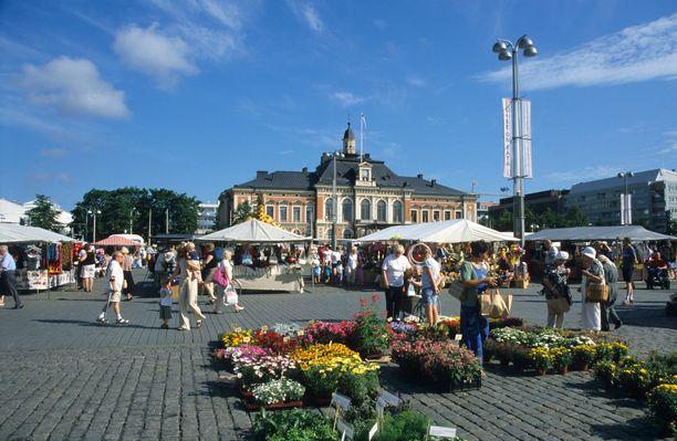 Kuopion komea kaupungintalo löytyy torin laidalta.
