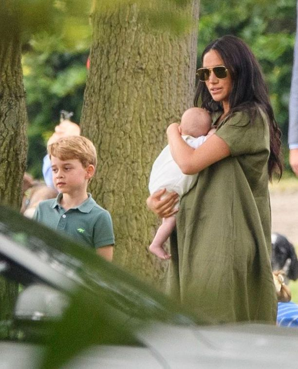 Herttuatar Meghan asuu perheineen Windsorissa.