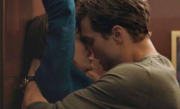 Hitiksi noussut Fifty Shades of Grey ei harrastajien mukaan anna BDSM-seksistä oikeaa kuvaa.