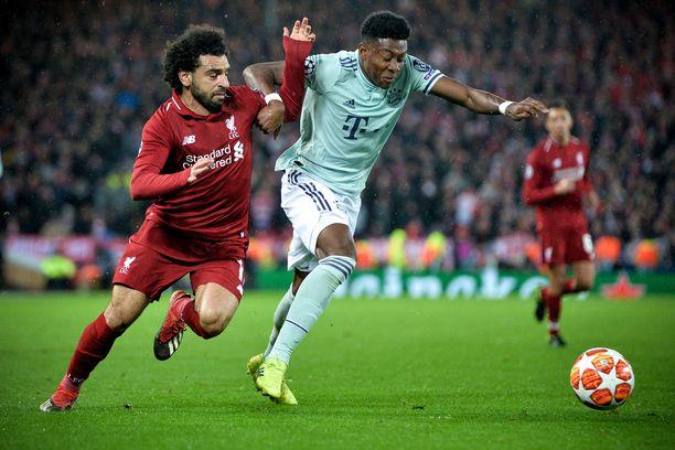 Mohamed Salah ja David Alaba taistelivat pallosta Anfield Roadilla. Tänään joukkueet kohtaavat Bayernin kotikentällä Allianz Arenalla.