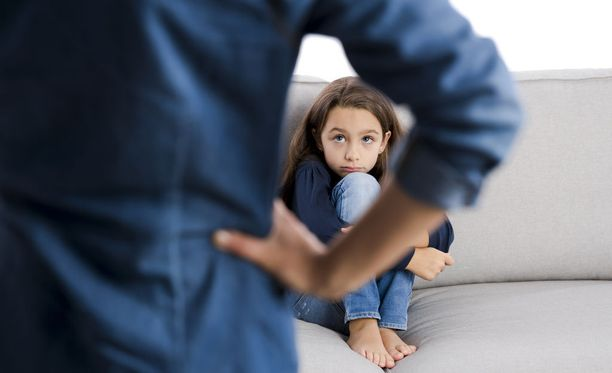 Ylikriittinen äiti voi tehdä paljon pahaa tyttären itsetunnolle.